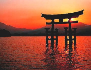 shinto_shrine_sunset